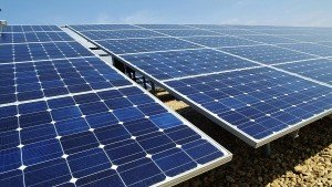 solar-panel-trade-war-between-eu-and-china-knocks-at-the-door-300x169